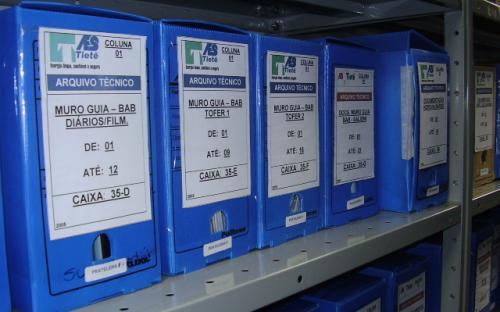 Caixas do arquivo técnico interno - UHE Mogi Guaçu