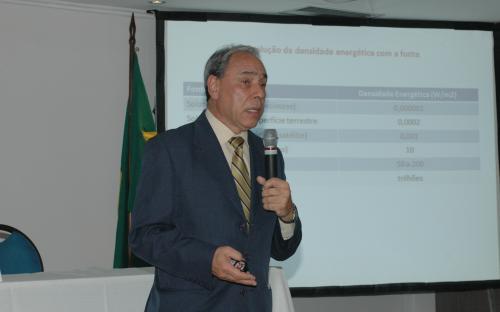 Conferência - Gildo Magalhães