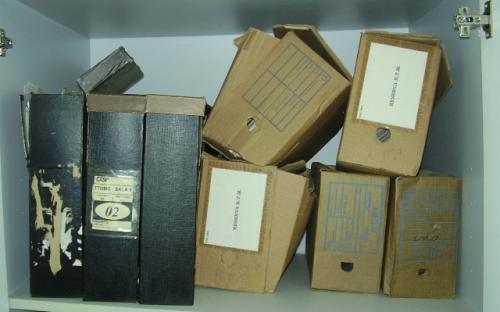 Muitos documentos desorganizados