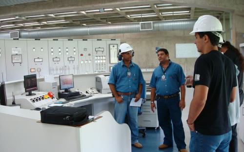 Técnicos Paulo e Dezolino, costa Lucas (estudante)